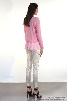 Maglia Grace, pantalone Fiorito.