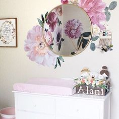Aaaand, here's the other side of @chelslove_'s ultra feminine and ultra gorgeous nursery. It's Pastel Garden Flower inception! Can't say we object, we want these flowers in every dreamworld ;-) #thesearemyurbanwalls