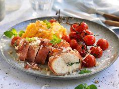 Kyllingfilet fylt med manchego surret i spekeskinke Baked Potato, Tapas, Sausage, Bacon, Food Porn, Food And Drink, Pork, Turkey, Potatoes