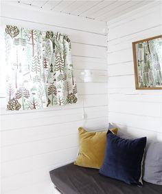cottage´s guest room -------- mökin vierashuoneessa