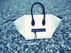 STRADIVARIUS SISTERS Sisters, Bags, Fashion, Handbags, Moda, Fashion Styles, Fashion Illustrations, Bag, Totes