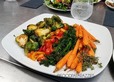 A Sampling Platter of fresh Roasted Veggies including the rise to a renewed fame Brussel Sprout along with broccolini, peppers and baby carrots. Palm Springs Events, Delicious Catering, Baby Carrots, Wedding Catering, Platter, Gourmet Recipes, Great Recipes, Roast, Stuffed Peppers