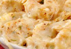 Ραβιόλες στο φούρνο με ζαμπόν και μπέικον Salad Bar, Cauliflower, Macaroni And Cheese, Bbq, Vegetables, Ethnic Recipes, Food, Barbecue, Mac And Cheese