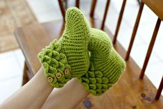 Dragon Slippers Help To Keep Your Toes Warm Because Winter Is Coming