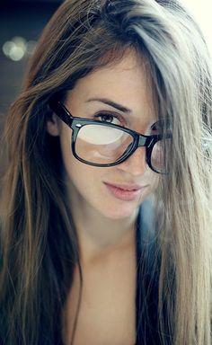 Les lunettes sans correction un accessoire top! Comment choisir son modèle   Lunettes, Soleil, Femmes ... 755e08ff2733