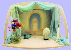 Small: items offer a scenery to create a nature table or home altar. You can put them on a shelf or hang them on the wall by two masked hanging rounds in the back Waldorf Crafts, Waldorf Dolls, Preschool Crafts, Easter Crafts, Spring Nature Table, Nature Crafts, Trees To Plant, Decoration, Seasons