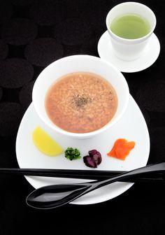 ほうじ茶雑炊/玄米茶付 500円
