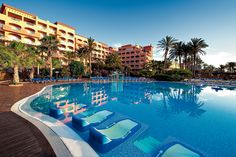 Another holiday booked! Very excited to go back here after my last visit in Roll on November 👫 Elba Sara Beach & Golf Resort, Costa Caleta, Fuerteventura Piscine Coque Polyester, Hotel Familiar, Costa, Places Ive Been, Places To Go, Top Destinations, Elba, European Travel, Spain