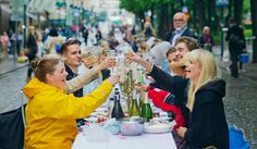 Banquets in the street [Helsinki Day celebrations. Photo: Lauri Rotko]