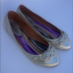 STEVE MADDEN Beautiful Steve Madden flats features gold studs and metallic material. Great condition as they were never worn true to size Steve Madden Shoes