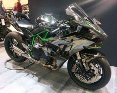 Kawasaki Ninja H2R Seattle motorcycle show.jpg