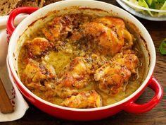 lapin, bouquet garni, échalote, lardons, vin blanc sec, bouillon, crème épaisse, beurre, huile d'olive, moutarde, farine, poivre...