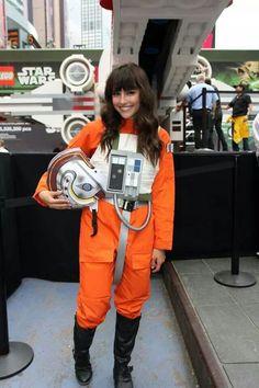 Star Wars cosplay / X-Wing pilot - Star Wars Costumes - Latest Star Wars Costumes - Star Wars cosplay / X-Wing pilot Movie Costumes, Cosplay Costumes, Duo Costumes, Costume Ideas, Gi Joe, Reine Amidala, Costume Star Wars, Starwars, Hallowen Costume