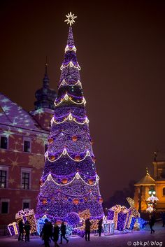 I love the designs on the building. Warsaw, Poland - Christmas Lights