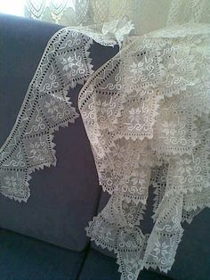 İĞNE OYASI Needle Lace, Needle And Thread, Crochet Tablecloth, Cheese Cloth, Filet Crochet, Tatting, Knots, Needlework, Weaving
