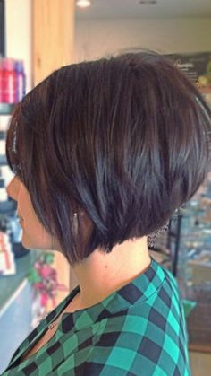 Superb 40 Inverted Bob Hairstyles You Should Not Miss – EcstasyCoffee – www.ecstasycoffee… The post 40 Inverted Bob Hairstyles You Should Not Miss – EcstasyCoffee – www. Layered Bob Short, Short Layered Haircuts, Short Bobs, Short Inverted Bob, Stacked Angled Bob, Short Stacked Bobs, Graduated Bob Haircuts, Short Layers, Curly Short