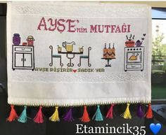 This Pin was discovered by Ayş Cross Stitch Patterns, Diy And Crafts, Knitting, Crochet, Cross Stitch Love, Cross Stitch Embroidery, Scrappy Quilts, Cases, Punto De Cruz
