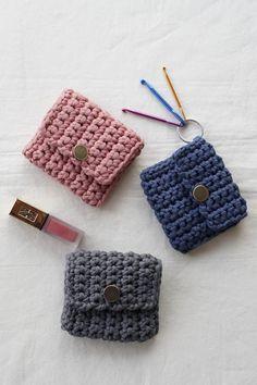 Diy Crochet Bag, Crochet Flower Tutorial, Quick Crochet, Cute Crochet, Crochet Crafts, Crochet Projects, Crochet Applique Patterns Free, Diy Embroidery Patterns, Modern Crochet Patterns