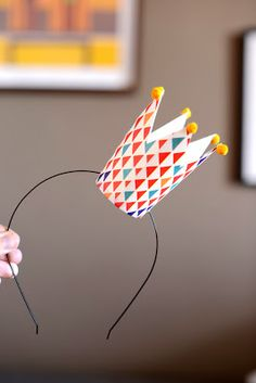 DIY Paper Cup Crown - so fun for a birthday party!
