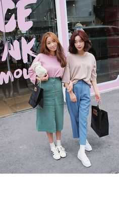 discovered by bunnieisgood on We Heart It Korean Fashion Summer, Korean Girl Fashion, Ulzzang Fashion, Korean Street Fashion, Korea Fashion, Harajuku Fashion, Japanese Fashion, Asian Fashion, Retro Fashion