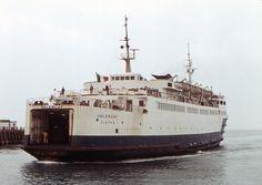Résultats Google Recherche d'images correspondant à http://upload.wikimedia.org/wikipedia/commons/5/5a/SNCF_ferry_Valencay,_Newhaven,_1971_(...