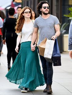 Game of Thrones' Kit Harington and Rose Leslie Share Serious PDA During L.A. Shopping Trip http://www.people.com/article/kit-harington-rose-leslie-pda-photos-kissing-los-angeles