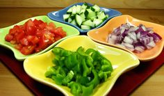 Tomatoes are actually a summer vegetable. Here are ten tomato recipes to have fun with. Cucumbers And Onions, Summer Tomato, Plum Tomatoes, Gazpacho, 5 Ways, Cabbage, Fitness, Stuffed Peppers, Diet