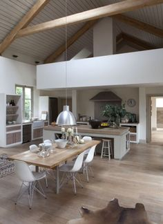 La cuisine ouverte This is kind of the scandinavian style I like. I little country and a little modern but most of all relaxed, uncomplicated and functional Modern open-plan country kitchen Küchen Design, House Design, Interior Design, Word Design, Cover Design, Interior Styling, Design Ideas, Bohemian Interior, Garden Design