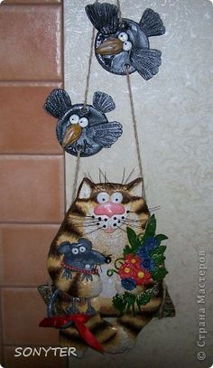 Very quirky, love it. Art For Kids, Crafts For Kids, Arts And Crafts, Diy And Crafts, Clay Wall Art, Clay Cats, Polymer Clay Dragon, Paper Mache Clay, Clay Birds