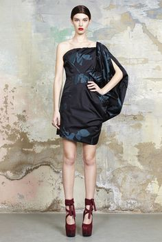 Vivienne Westwood Resort 2015 - Slideshow. Please like http://www.facebook.com/RagDollMagazine and follow @RagDollMagBlog @priscillacita
