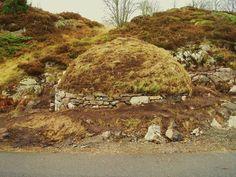 Restaurert jordkjeller. Golf Courses, Country Roads, Wall