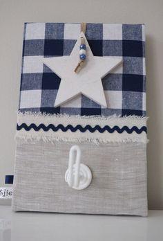 Wandhaakje stoer blauw - 12x18cm,  Voorzien van 3d ster en draadhaakje #wandhaakje #kapstokje #ophangen #jongens