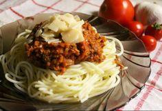 Spagetti Recipe, Ravioli, Bologna, Bbq, Spaghetti, Meat, Cooking, Ethnic Recipes, Food