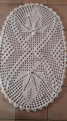 Crochet Doily Diagram, Crochet Doily Patterns, Filet Crochet, Crochet Doilies, Crochet Flowers, Crochet Top, Sewing Patterns, Crochet Table Runner, Crochet Blocks