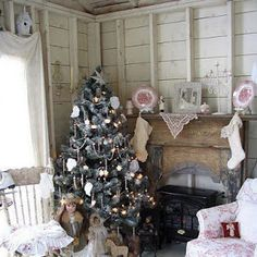 Well here it is rolling onto another Christmas - 2015 has been a strange year of very little posting on the blog for us - we had some ...