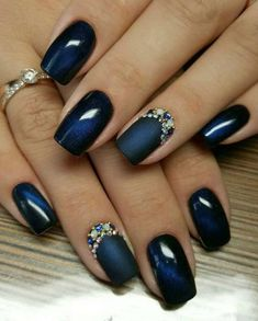 20 Cute and Awesome Nails Design Ideas for Prom 05 Beautiful Nail Designs, Cool Nail Designs, Blue Nail Designs, Beautiful Nail Art, Blue And Silver Nails, Navy Nails, Stylish Nails, Trendy Nails, Pearl Nails