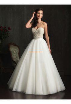 Robe de mariée princesse tulle col coeur avec perles