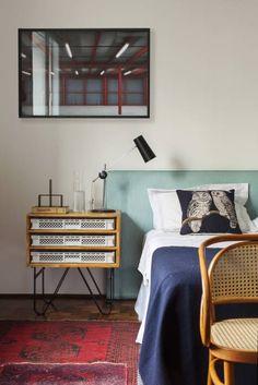 Minimalistischer, bezaubernder Vintagecharme im Schlafzimmer