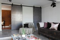 Luxury Loft Apartment Living Room by Oliver Burns Soho Apartment, Warehouse Apartment, Apartment Design, Apartment Living, Warehouse Office, Apartamento Loft Industrial, London Living Room, Room London, Soho Loft