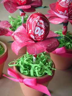 Lollipop flower favors