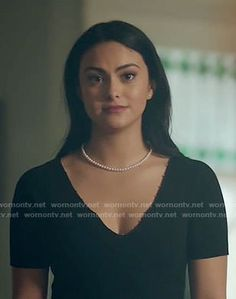Veronica's black beaded trim top and plaid skirt on Riverdale Veronica Lodge Fashion, Veronica Lodge Outfits, Veronica Lodge Riverdale, Riverdale Cw, Camila Mendes Photoshoot, Camila Mendes Veronica Lodge, Camila Mendes Riverdale, Verona, Camilla Mendes
