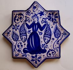 Arabesque Pattern, Islamic Paintings, Persian Motifs, Laser Cut Jewelry, Antique Tiles, Iranian Art, Ceramic Techniques, Blue And White China, Illusion Art