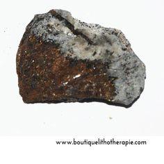 Très belle pierre d'astrophyllite brute de premiere qualité, 9,5g, une pierre rare en vente sur BoutiqueLithotherapie.com