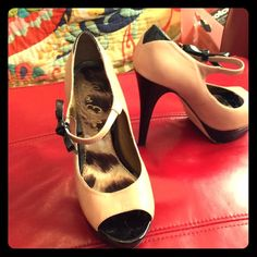 Fun, flirty Sam Edelman Mary Jane style pumps So cute, and comfortable with the platform. Size 8 (fits more like 7.5). Worn several times, but in excellent condition. Perfect for holiday parties and summer fun. Sam Edelman Shoes Heels