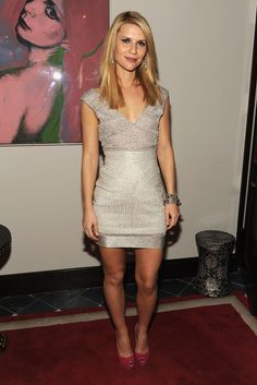 Claire Danes Cocktail Dress - Claire Danes Looks - StyleBistro Claire Danes, Carrie Mathison, Vogue, Hollywood Walk Of Fame, Nice Legs, Celebs, Celebrities, Celebrity Pictures, Vestidos