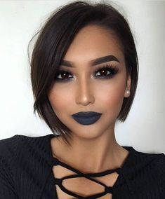 Bob hairstyles are the ones that will suit every texture and every face shape. Get ready to chop off your locks because these Gorgeous Bob Hairstyles for Black Women will tempt you beyond your imagination. Bob Style Haircuts, Bob Hairstyles 2018, Short Hairstyles For Women, Straight Hairstyles, Cool Hairstyles, Black Hairstyles, Pixie Haircuts, Gorgeous Hairstyles, Hairstyle Ideas