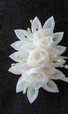 Ribbon Art, Diy Ribbon, Ribbon Crafts, Flower Crafts, Tissue Paper Flowers, Fabric Flowers, Fabric Flower Headbands, Bride Hair Accessories, Barrettes