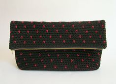 Polka dot crochet clutch pattern, in black and red ...crochet inspiration ONLY...
