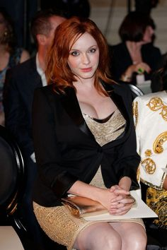 Christina Hendricks Biography and Movie Shows information Beautiful Redhead, Beautiful Celebrities, Beautiful Actresses, Beautiful Women, Cristina Hendrix, Voluptuous Women, Christina Hendricks, Redheads, Dame