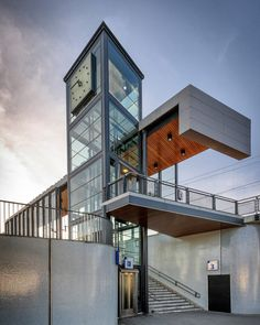 Station Vathorst, Amersfoort, The Netherlands Cantilever Architecture, Industrial Architecture, Amazing Architecture, Art And Architecture, Architect Jobs, Elevator Design, Architectural Engineering, Pedestrian Bridge, Urban Design
